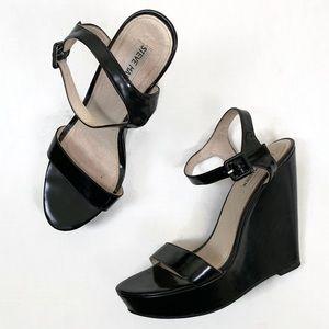 Steve Madden Prestine Black Platform Sandal | M